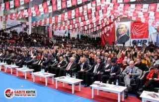 Lise öğrencileri AKP İzmir İl Kongresi'ne...